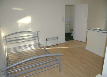 Thumbnail Studio to rent in Ashlands, Sale