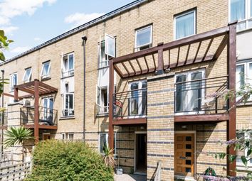 Thumbnail Room to rent in St Davids Square, Canary Wharf, London