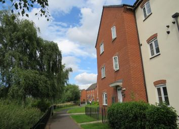 Thumbnail 2 bedroom flat for sale in Waterfields, Retford