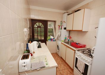 Thumbnail Room to rent in Hoylake Road, East Acton