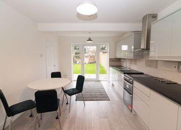 3 bed property to rent in Central Avenue, Hayes, Middlesex UB3
