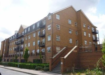 Thumbnail 2 bed flat to rent in Holly Street, Luton