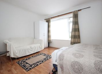 Thumbnail 2 bed flat to rent in Parkdale, Bounds Green Road, London