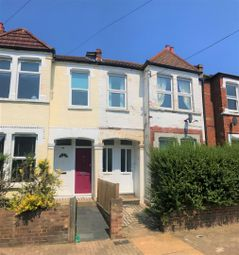 3 bed maisonette to rent in Sellincourt Road, London SW17