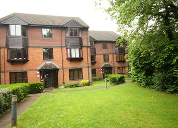 Thumbnail 2 bed flat to rent in Foxhills, Horsell, Woking