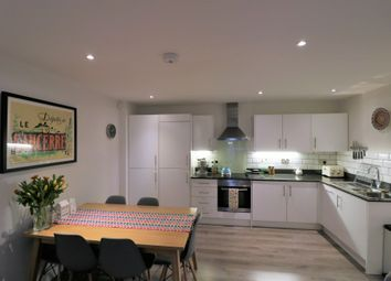 Thumbnail 2 bed flat to rent in Westow Street, Upper Norwood, London