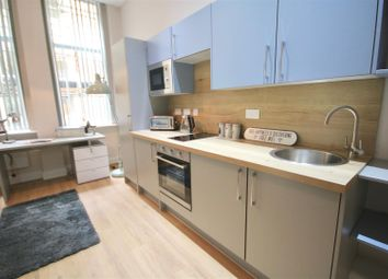 Thumbnail 4 bed flat to rent in Guildhall Walk, Portsmouth