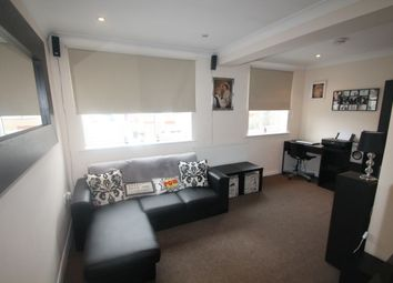 Thumbnail 2 bed flat to rent in Hornchurch Road, Hornchurch
