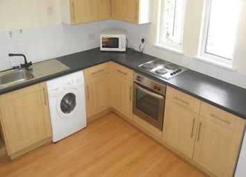 Thumbnail 2 bed flat to rent in Ravensbourne Road, Bromley