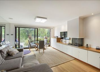 Thumbnail 3 bed flat to rent in Strand On The Green, London