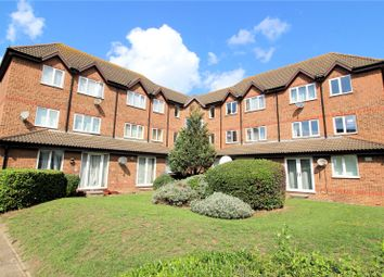 Thumbnail 2 bedroom flat for sale in Frobisher Road, Erith, Kent