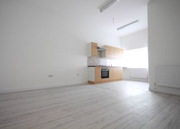Thumbnail 2 bed flat to rent in Grosvenour Street, Clapton