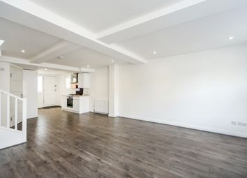 Thumbnail 2 bed flat to rent in London Street, Chertsey
