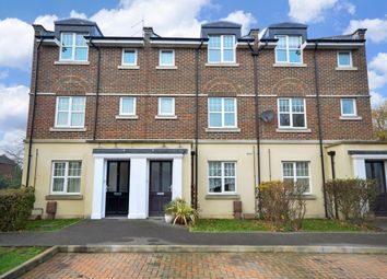 Thumbnail 2 bed flat to rent in Quinton Fields, Emsworth