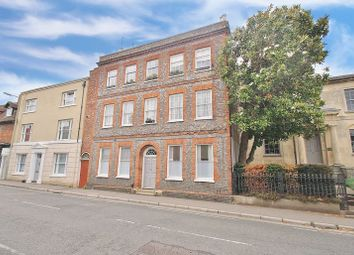 3 bed flat for sale in High Street, Wallingford OX10