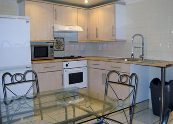 3 bed flat to rent in Richmond Road, Cathays, Cardiff CF24