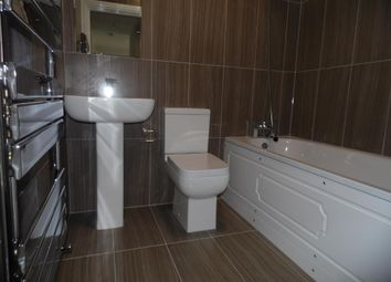 Thumbnail 2 bed flat to rent in Eastwood Close, South Woodford