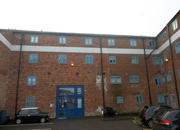 Thumbnail 2 bed flat to rent in Bridge Street, Gainsborough