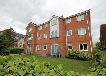 Thumbnail 2 bed flat to rent in Willow Road, Aylesbury