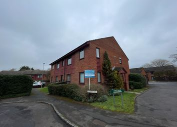 2 bed flat to rent in Brookfield Close, Chineham, Basingstoke RG24