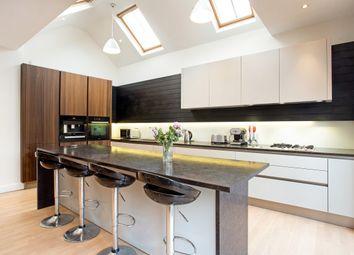 3 bed bungalow to rent in Rosecroft Gardens, Twickenham TW2