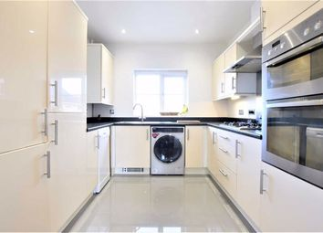 1 bed maisonette for sale in The Nave, Laindon, Essex SS15