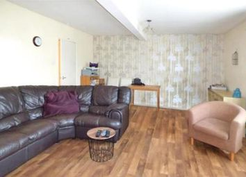 2 bed flat to rent in Butts Road, Southampton SO19