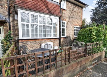 2 bed property for sale in Richmond Road, Twickenham TW1