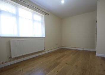 Thumbnail 2 bed flat to rent in Barnfield Av, Mitcham