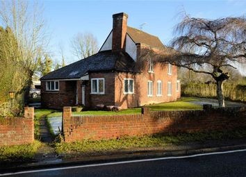 Thumbnail 2 bed detached house for sale in Woodside, Thornwood, Epping