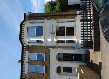Thumbnail 1 bed flat to rent in Chestnut Road, Raynes Park