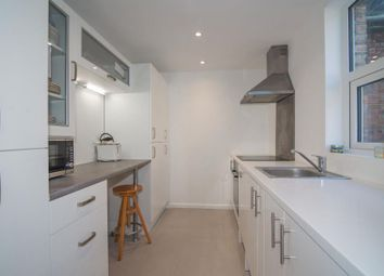 Thumbnail 2 bed property to rent in Upper Richmond Road West, East Sheen