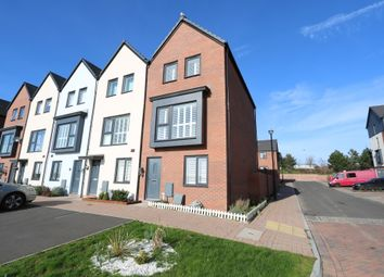 3 bed town house for sale in Y Rhodfa, Barry CF63