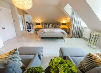 Thumbnail 5 bedroom property for sale in Forest View Road, Loughton