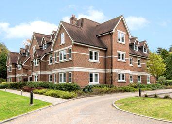 Portsmouth Road, Esher, Surrey KT10. 2 bed flat for sale
