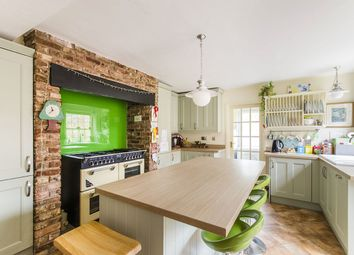 Thumbnail 3 bed terraced house for sale in Bridgegate, Howden, Goole