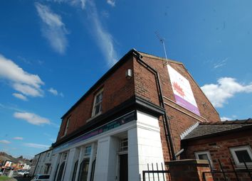 2 bed flat to rent in Worsley Road, Swinton, Manchester M27