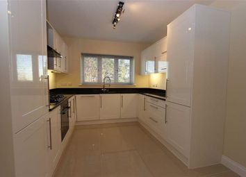 Thumbnail 3 bed flat to rent in Gordon Hill, Enfield