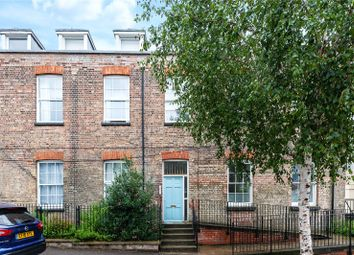 2 bed flat for sale in St. Mary Road, London E17