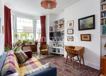 Abbotsford Avenue, London N15. 2 bed flat for sale