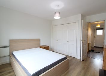 Thumbnail 1 bed flat to rent in High Road, Wood Green
