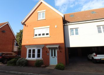 Rayleigh, Essex SS6. 5 bed link-detached house