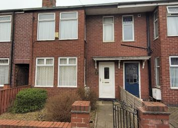 Thumbnail Town house for sale in Lang Avenue, York