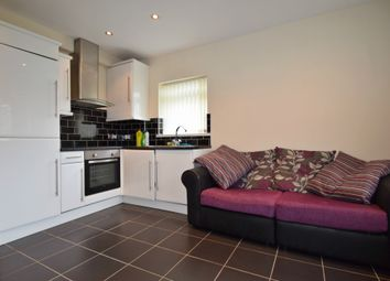 2 bed flat to rent in Newport Road, Cardiff CF24