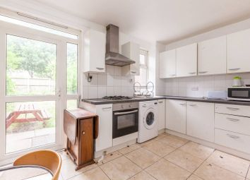 2 bed maisonette to rent in Pollard Street, Bethnal Green, London E2