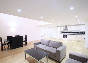 Thumbnail 3 bed flat to rent in Flat, Holloway Road, London