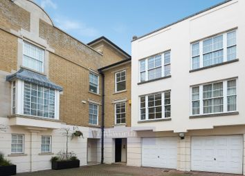 3 bed maisonette to rent in Balvaird Place, London SW1V