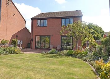 Thumbnail 4 bed detached house for sale in Cherry Close, Offenham, Evesham