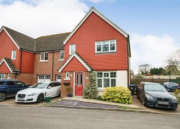 Cobham Close, Lingfield, Surrey RH7. 3 bed semi-detached house for sale