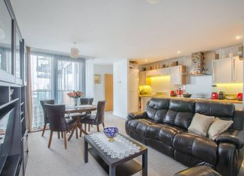 Thumbnail 2 bed flat for sale in Blackwall Way, Canary Wharf, London